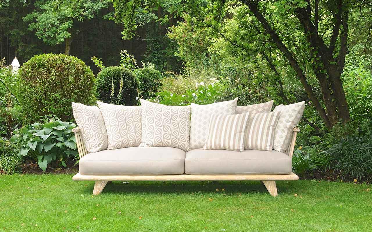 hug me sofa garten reclaimed. Black Bedroom Furniture Sets. Home Design Ideas