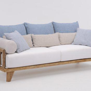 Sofa COMO im Studio von vorne fotografiert